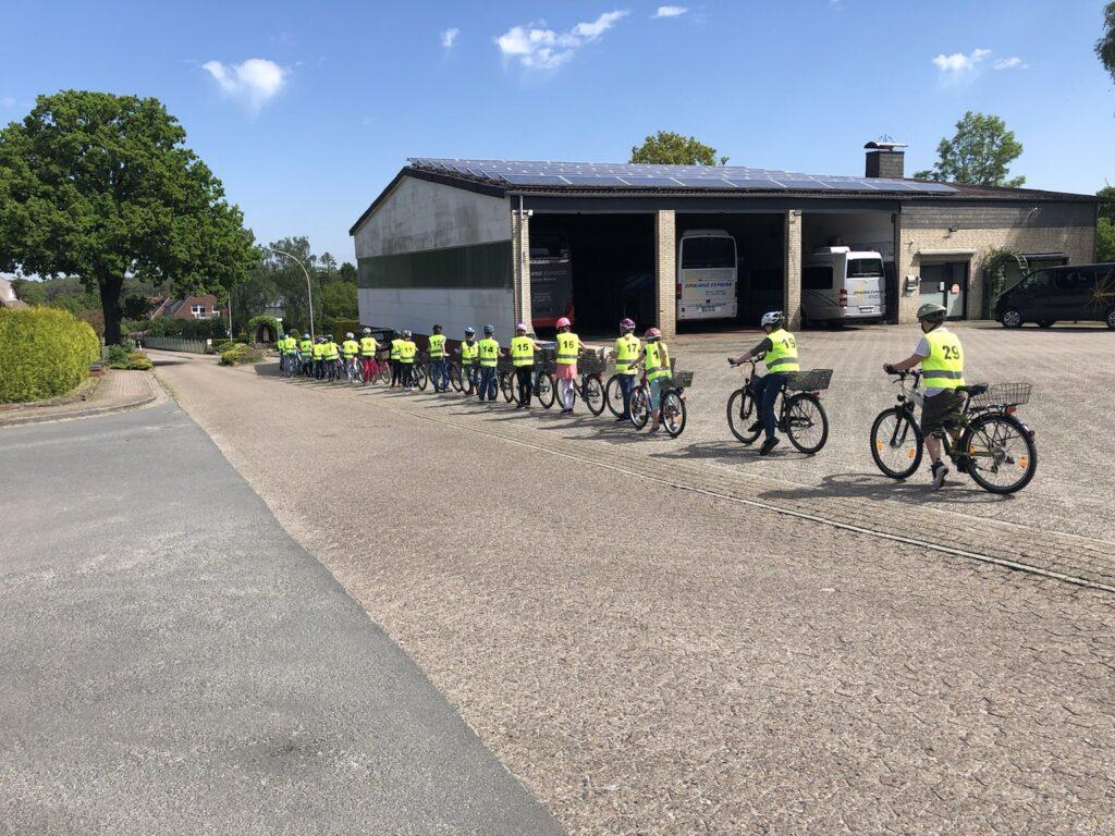 Vorbereitung auf die Fahrradprüfung in Klasse 4